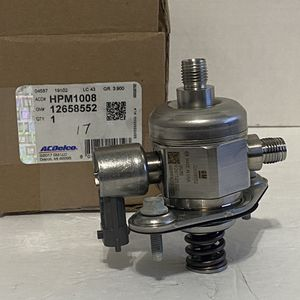 OEM High Pressure Fuel Pump 2009-2015 Enclave Traverse Acadia 3.6L for Sale in Salinas, CA