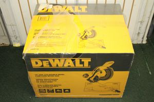 DeWalt DWS716 Double Bevel Compound Miter Saw for Sale in Miami, FL