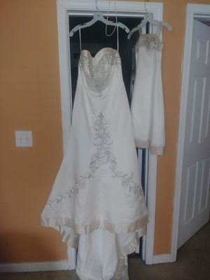 WEDDING AND FLOWER GIRL DRESS! MUST GO for Sale in Ellenwood, GA