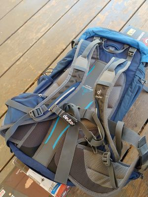 Deuter Backpacking Hiking Back pack for Sale in Lake Elsinore, CA