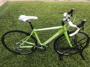Cannondale road bike Synapse 6 for Sale in Houston, TX