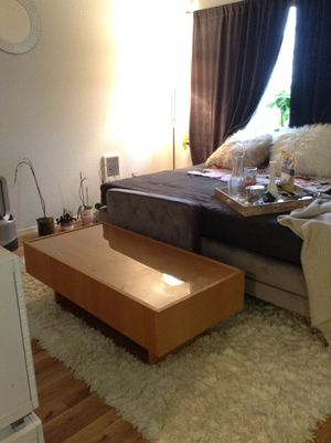 *LOW PRICE MOVING* FLOATING STORAGE COFFEE TABLE for Sale in Seattle, WA