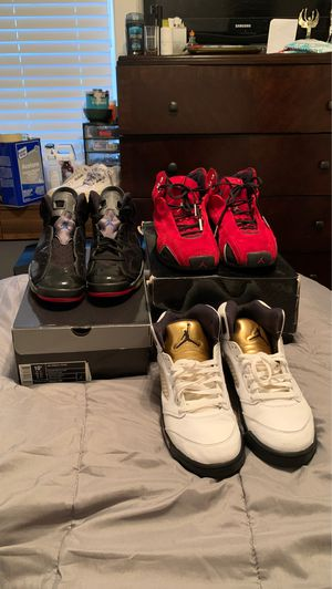 Jordan's size 9 and 10.5 for Sale in Duncanville, TX