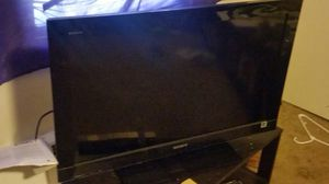 Sony Bravia 32 inch tv w/ stand and remote for Sale in Seattle, WA