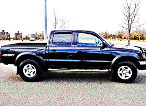 ֆ14OO 4WD Toyota Tacoma 4WD for Sale in Long Beach, CA