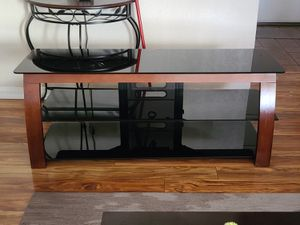 TV stan. 60in. for Sale in Montclair, CA
