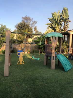 Little tikes swing set for Sale in Azusa, CA