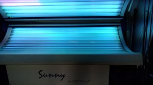 Sunny by alpha sun tanning bed for Sale in Frostproof, FL