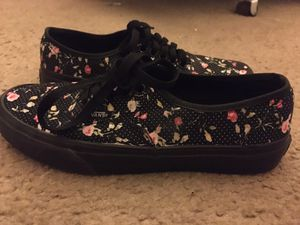 Lightly used flower with polkadots Vans for Sale in Las Vegas, NV