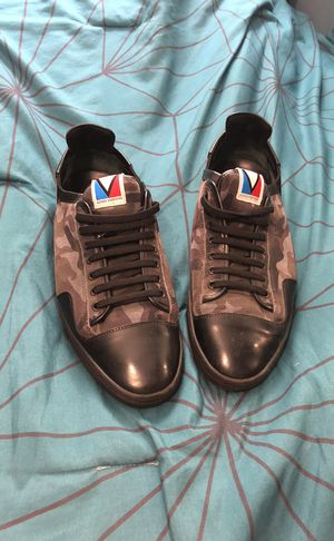 Louis Vuitton sneakers for Sale in Bronx, NY