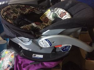 Graco snap & go car seat for Sale in Antioch, CA