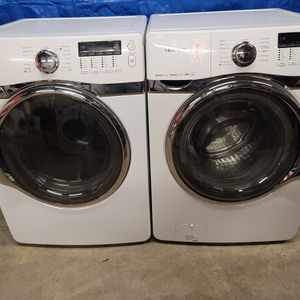 Samsumg Washer And Electric Dryer Set Good Working Condition Set For $499 for Sale in Lakewood, CO