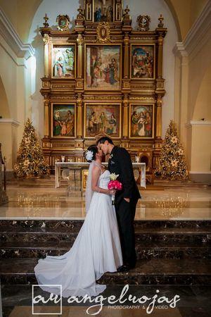 Davids Bridal Wedding Dress for Sale in Margate, FL