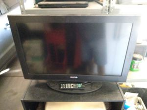 31 inch sanyo TV with remote for Sale in Las Vegas, NV