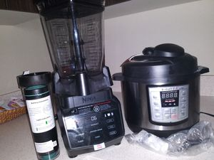 Brand new instant pot lux and ninja blender for Sale in Tacoma, WA