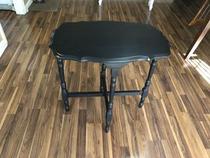 Small table for Sale in Shelbyville, TN