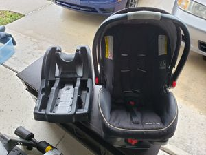 Graco car seat with extra Base for Sale in Palm Bay, FL