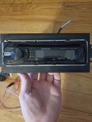 Kenwood car stereo CD player with USB and audio jack outlet for Sale in Chicago Heights, IL