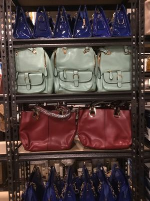 Purses and handbags ANY PURSE OR HANDBAG $10 for Sale in Hyattsville, MD