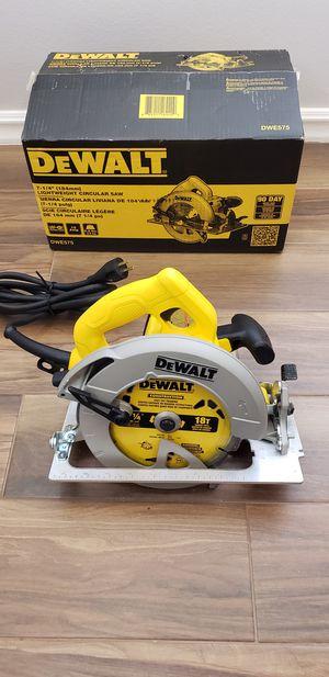 Dewalt 7-1/4in electric circular saw for Sale in San Diego, CA