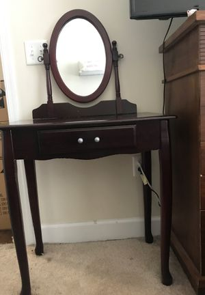 Vanity desk with mirror for Sale in Gaithersburg, MD