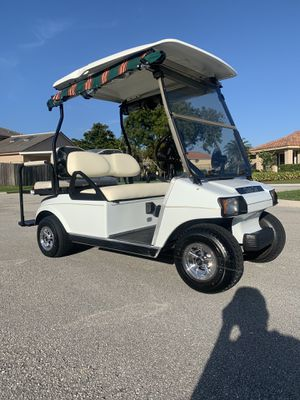 CLUB CAR GOLF CART NEW BATTERIES MINT 48 VOLT for Sale in Boynton Beach, FL
