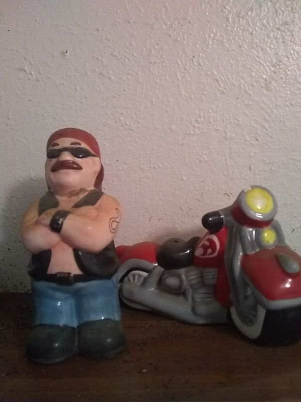 Ceramic motorcycle salt and pepper shakers