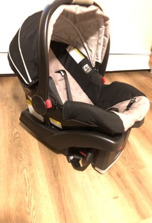 Car seat ( Gracias ) for Sale in West Haven, CT