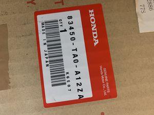 2008-2012 Honda Accord Arm rest (leather) for Sale in Tamarac, FL