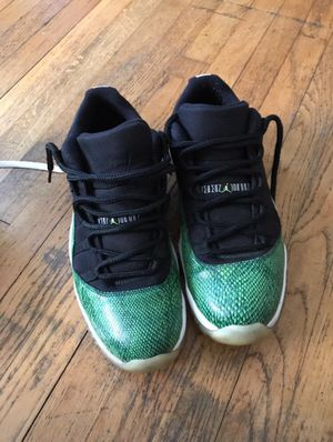 Jordan low Snakeskin 11s for Sale in Philadelphia, PA