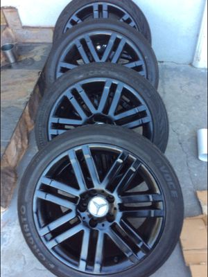 Mercedes bens rims 17 black for Sale in National City, CA