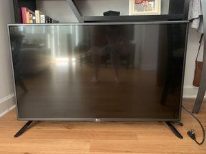 "LG 42"" Flat screen tv with remote for Sale in Falls Church, VA"