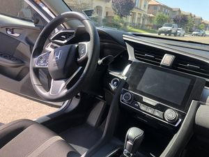 HONDA CIVIC EX 2017 WHITE BACK UP CAMERA, TOUCH SCREEN, SUN ROOF for Sale in Vacaville, CA