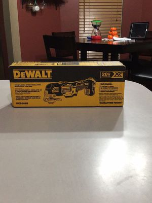 Dewalt XR 3 speed multi tool for Sale in Wichita, KS