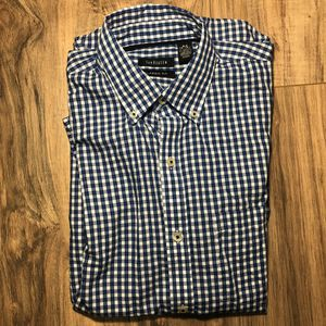 Van Heusen Short Sleeve S 14/14 1/2 Mens Blue Plaid with Pocket classic fit for Sale in St. Petersburg, FL