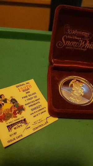 1987 Disneys Snow Whites Dwarf 'SNEEZY' 1oz Silver Round w Box & COA! for Sale in Lewistown, PA