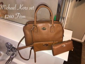 Like new Michael Kors purse wallet and small wrestling $260 firm for Sale in Laveen Village, AZ
