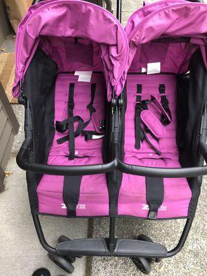 Zoe double stroller for Sale in Seattle, WA