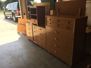 Vintage Mid Century Thomasville 4 Piece Bedroom Set. 2 Dressers, Nightstand, Full Bed Frame for Sale in Wenatchee, WA