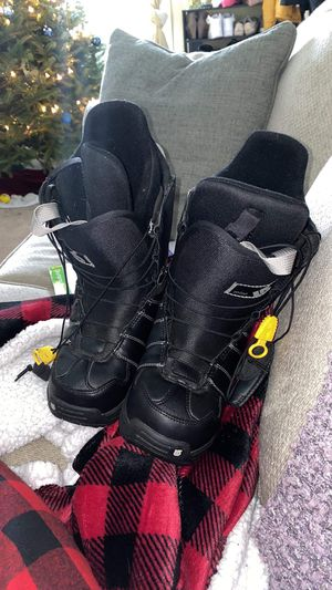 Women's burton snowboarding boots - size: 5.5 for Sale in VT, US