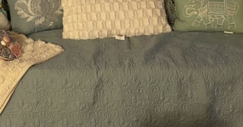 Day Bed for Sale in Edison,  NJ