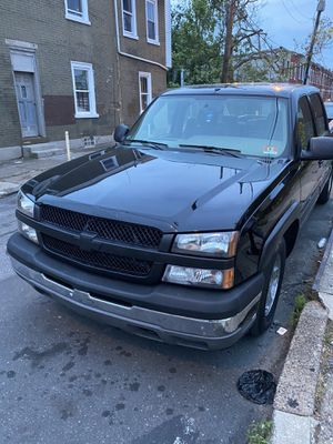 05 Chevy Silverado 1500 for Sale in Philadelphia, PA
