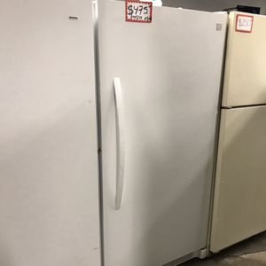 KENMORE FREEZER IN EXCELLENT CONDITION 4 MONTHS WARRANTY for Sale in Baltimore, MD