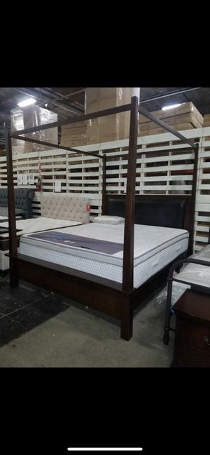 California king Canopy bed Frame for Sale in Castro Valley, CA