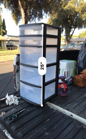 5 plastic drawers for Sale in Riverside, CA
