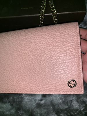 Pink Gucci wallet for Sale in Walnut Creek, CA