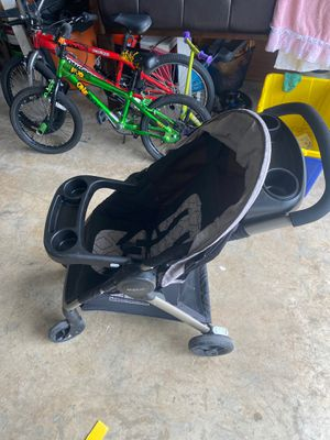 Car seat and stroller set for Sale in West Palm Beach, FL