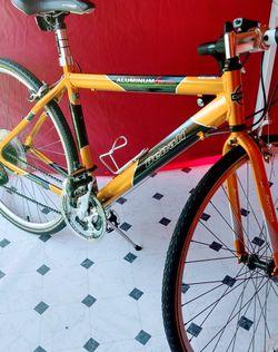 Bike Excelente Condición for Sale in Redwood City,  CA