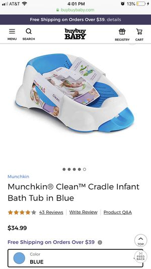 *New* Munchkin baby bath tub and toy scoop for Sale in Silver Spring, MD