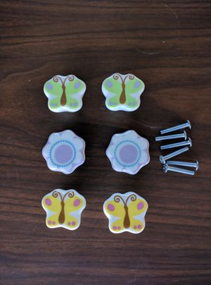 6 dresser knobs 6 for $10 for Sale in Duluth, GA